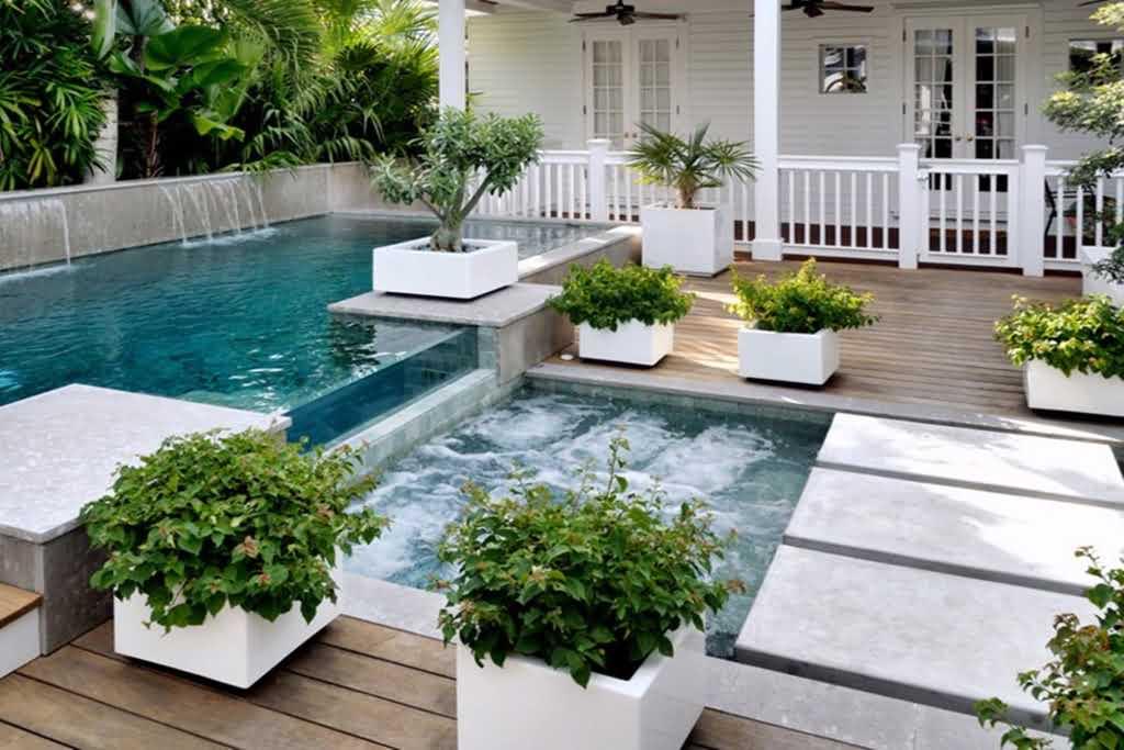 Aranżacja tarasu, balkonu i ogrodu – pomysły na donice aluminiowe